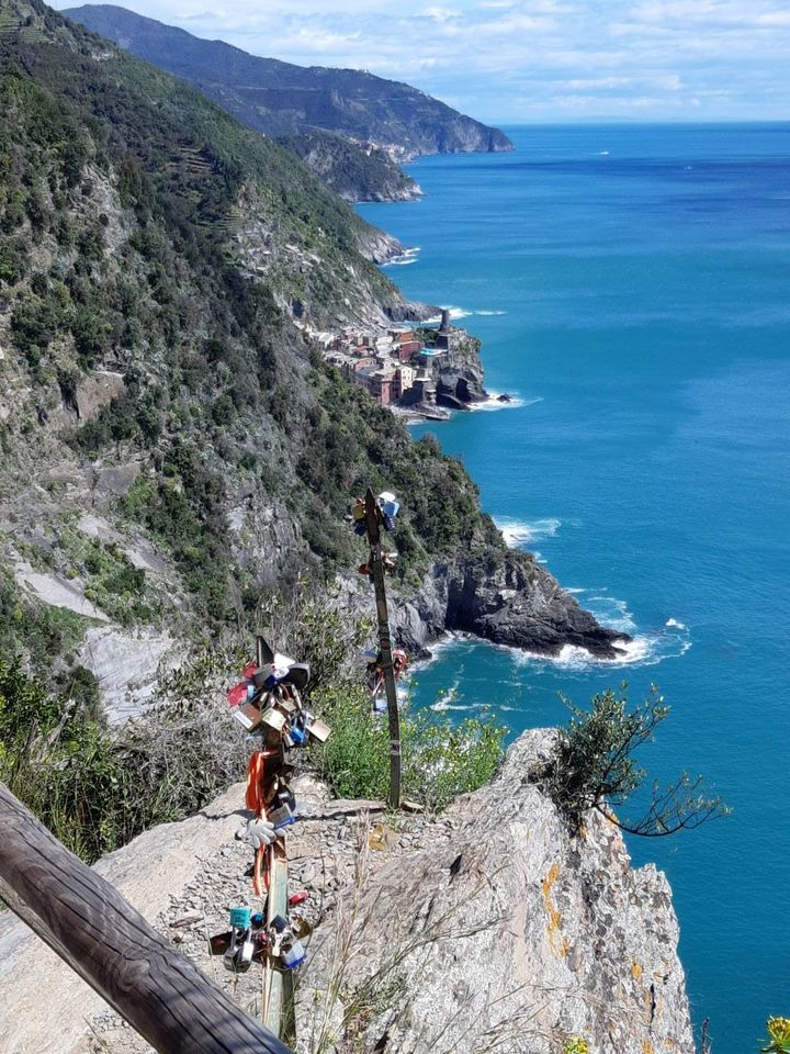 View on the coastal walk between Cinque Terre towns.